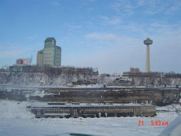 對岸的加拿大.jpg
