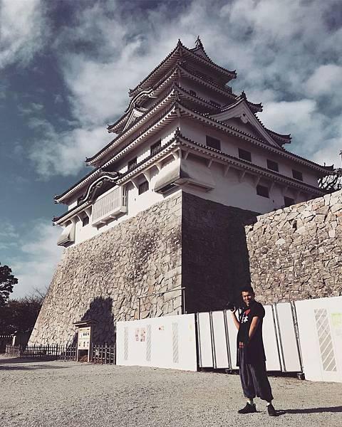 【日本九州】佐賀唐津城 遠眺虹之松原的舞鶴美城