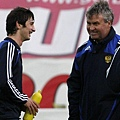 13_3835_BIGPIC_hiddink_dzagoev-b.jpg