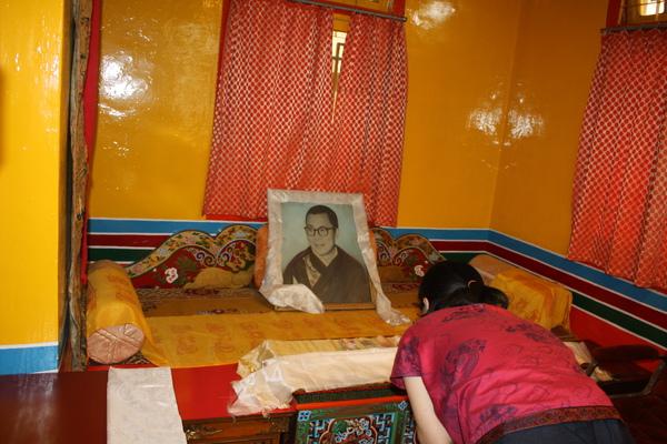 木蘇里西藏之家學校校園內的寺院.JPG