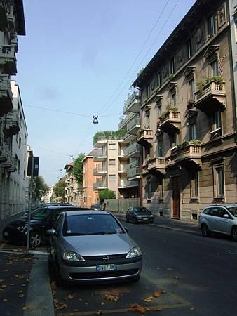 一大早的米蘭街道