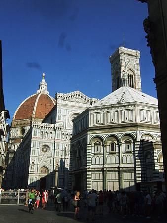 主教堂、洗禮堂與鐘塔