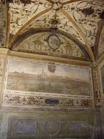 維奇歐宮中庭古老的壁畫