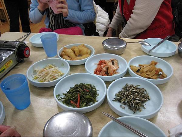 韓食小菜.jpg