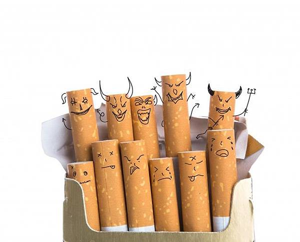 cigars-with-diabolic-faces-drawn_1232-912.jpg