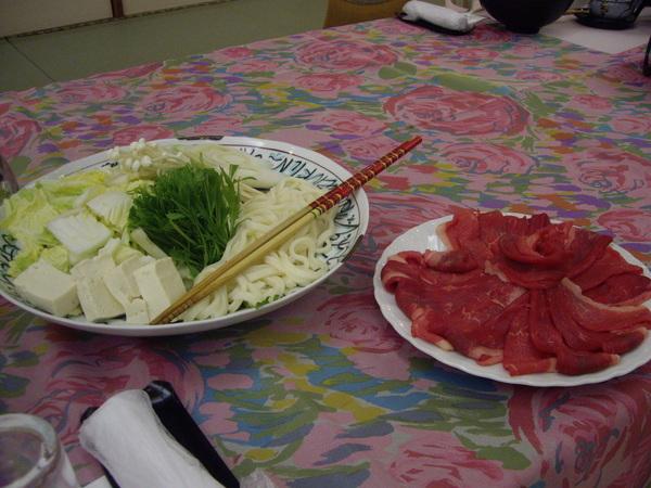 菜、肉 嗑到飽