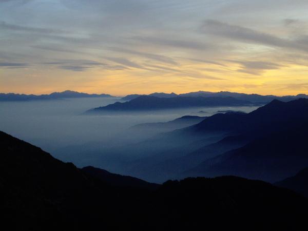 比日出更夢幻的雲海.JPG