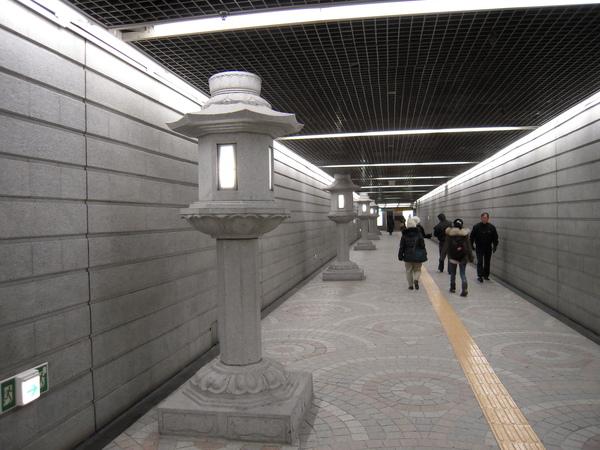 景福宮地鐵站內