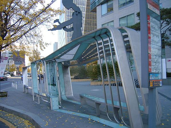 公共藝術的公車亭