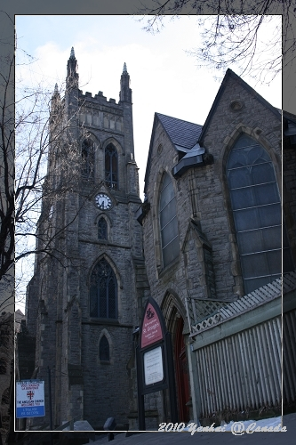 MONTREAL街景-馬克吐溫說在蒙特婁隨便從窗戶丟一個磚頭,都會砸到一座教堂