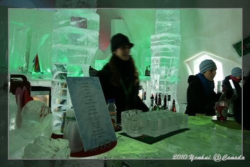 ICE HOTEL-最酷的吧台~