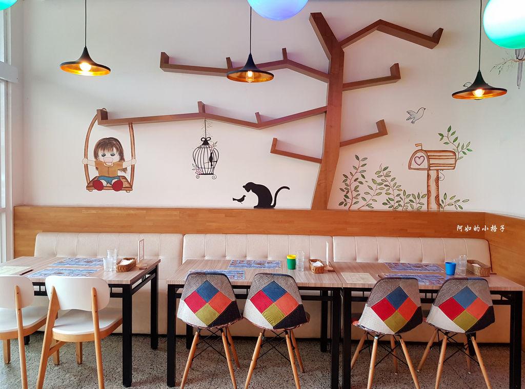 一樓用餐區 (3).jpg