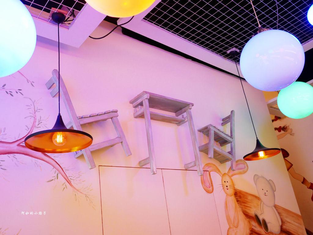 一樓用餐區 (5).JPG