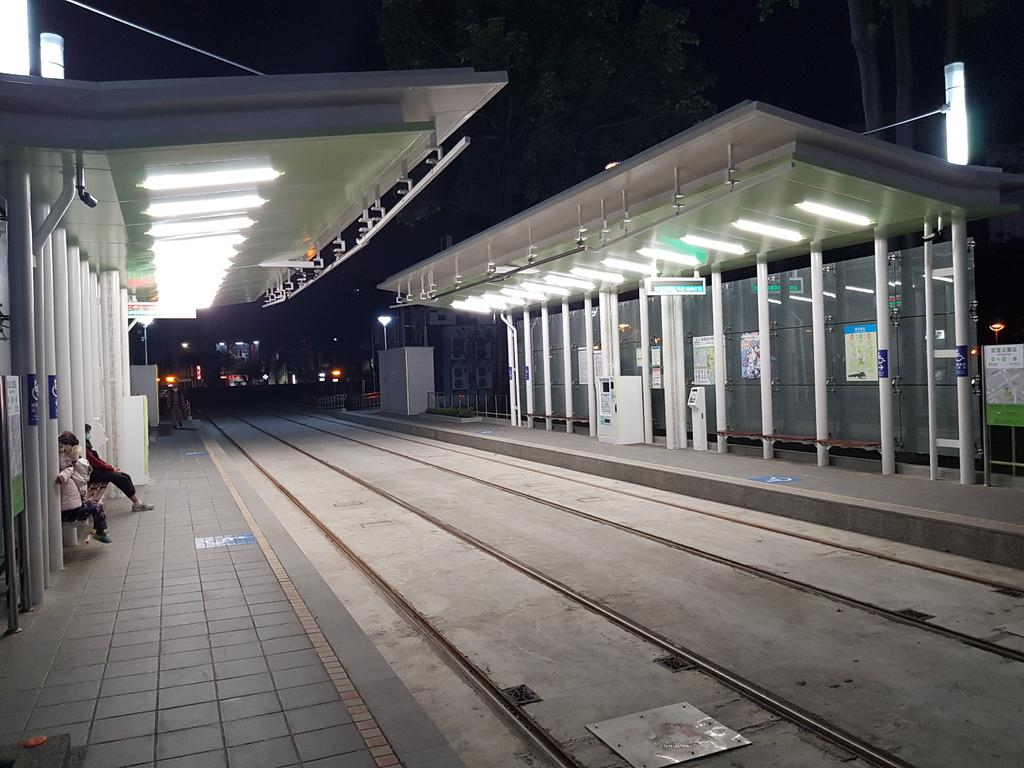 凱旋公園站.jpg