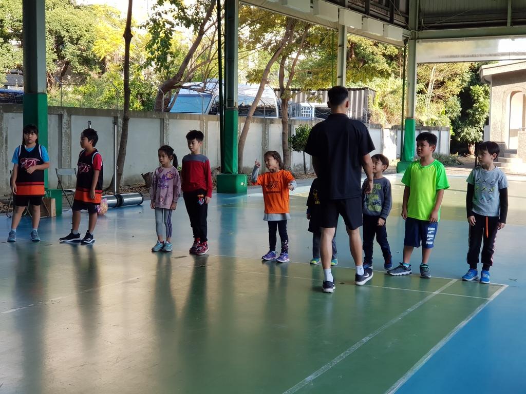 暴龍幼兒籃球運動訓練營 (5).jpg