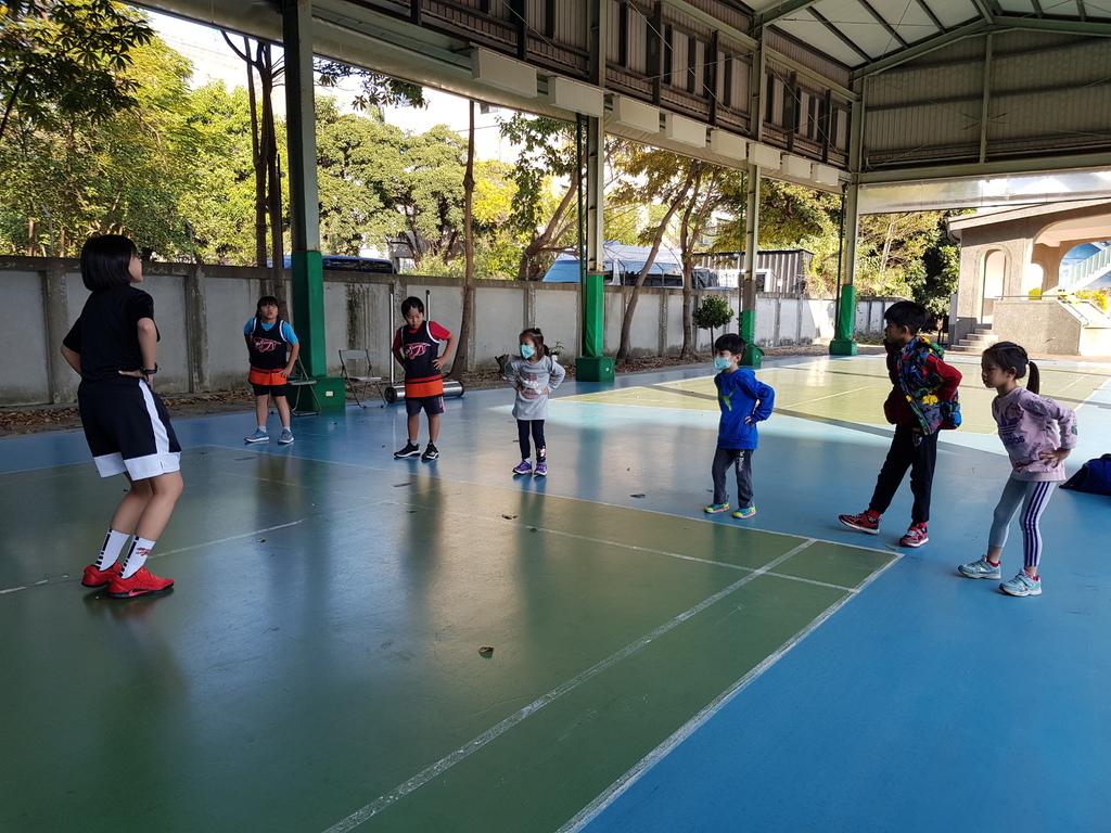 暴龍幼兒籃球運動訓練營 (2).jpg