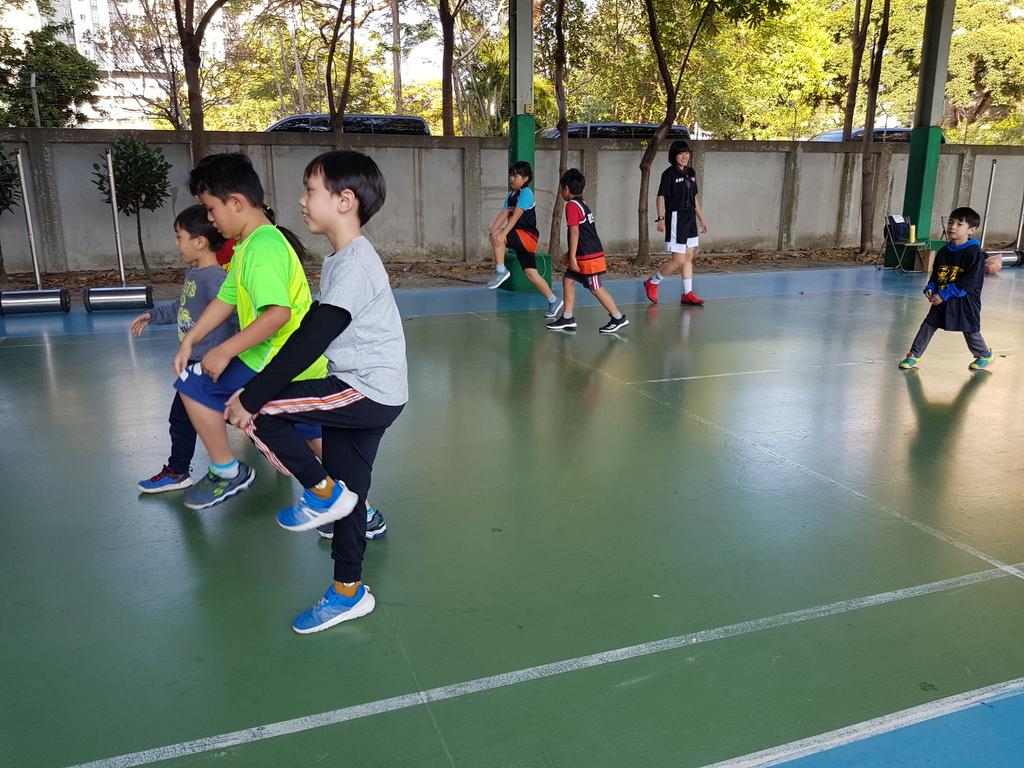 暴龍幼兒籃球運動訓練營 (4).jpg
