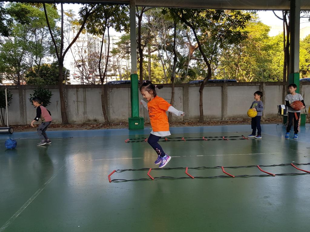 暴龍幼兒籃球運動訓練營 (8).jpg