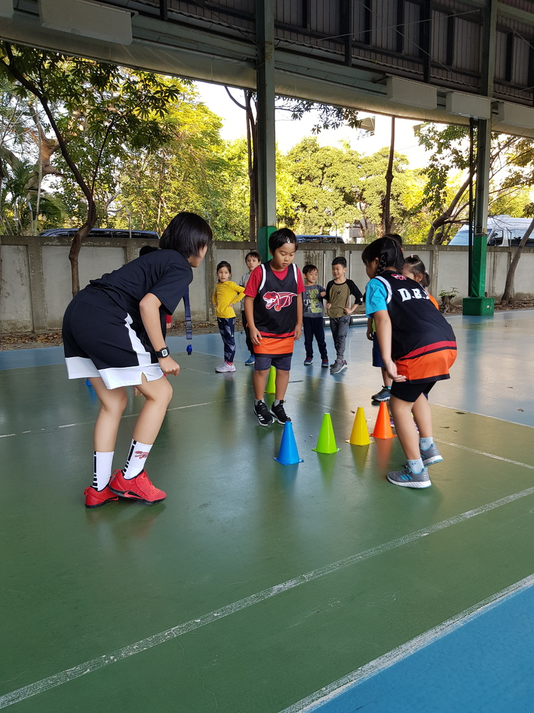 暴龍幼兒籃球運動訓練營 (10).jpg