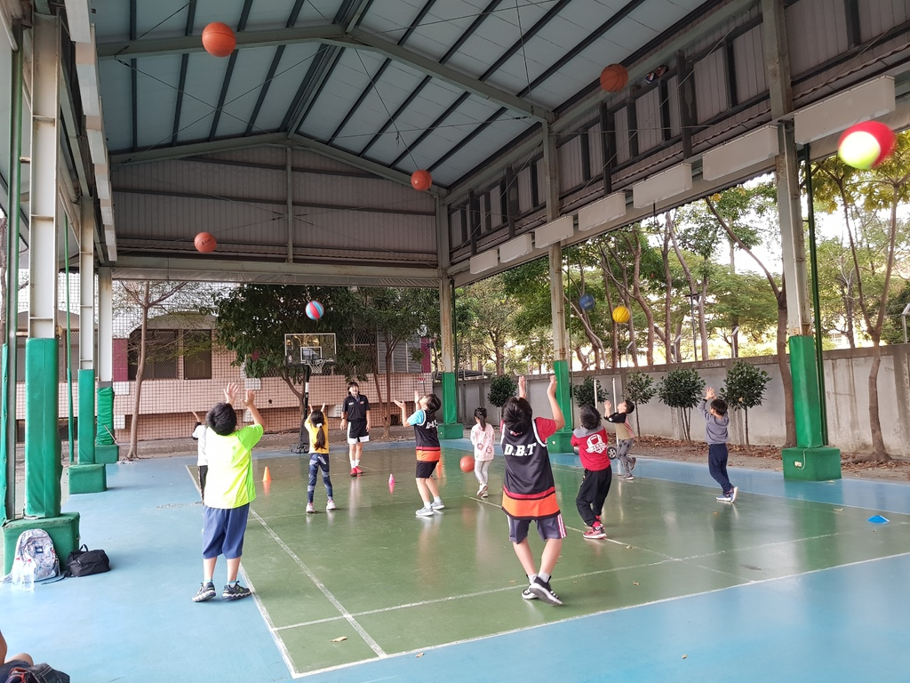 暴龍幼兒籃球運動訓練營 (12).jpg