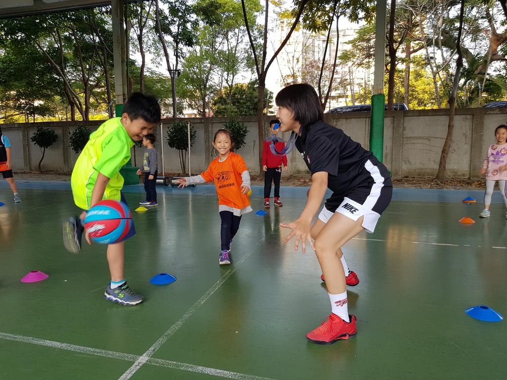 暴龍幼兒籃球運動訓練營 (15).jpg