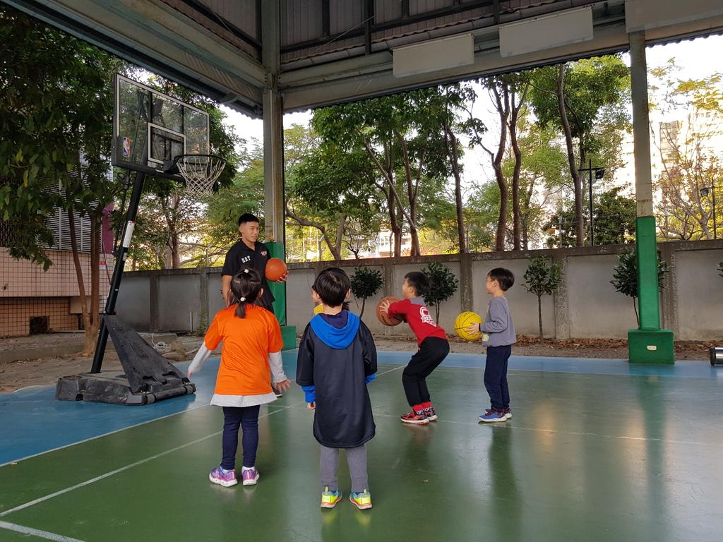 暴龍幼兒籃球運動訓練營 (19).jpg