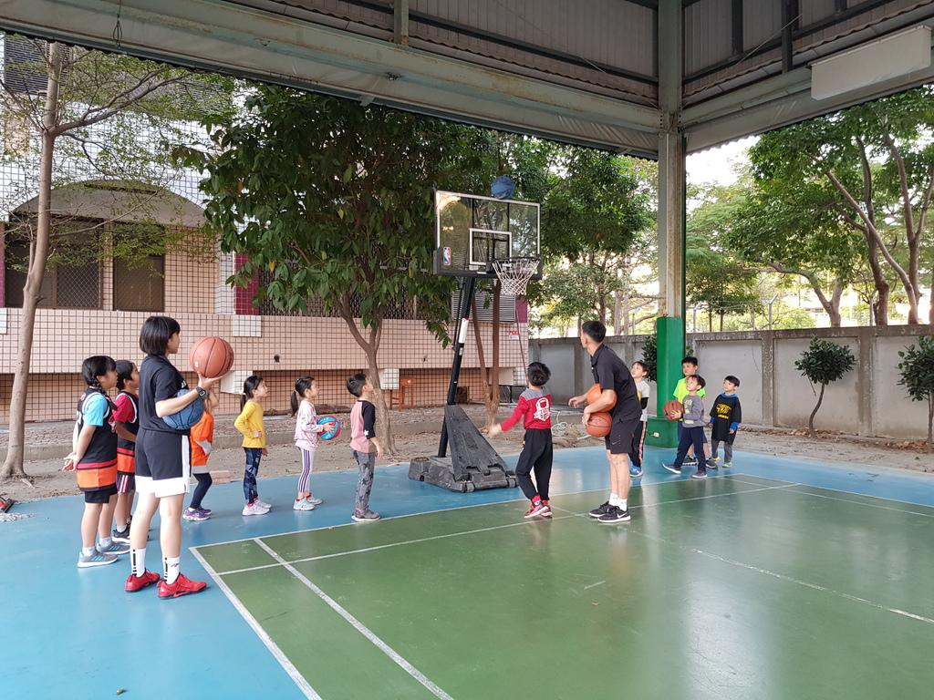 暴龍幼兒籃球運動訓練營 (22).jpg