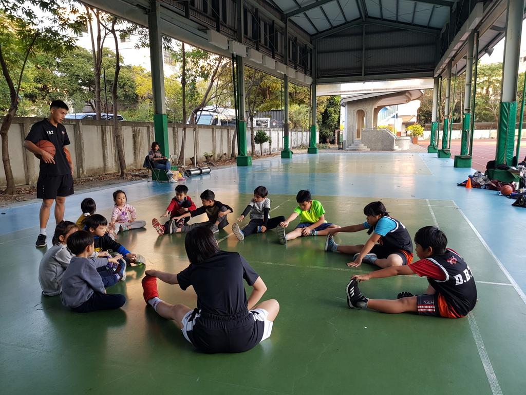 暴龍幼兒籃球運動訓練營 (26).jpg