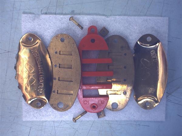 魚型項鍊口琴拆開狀-01