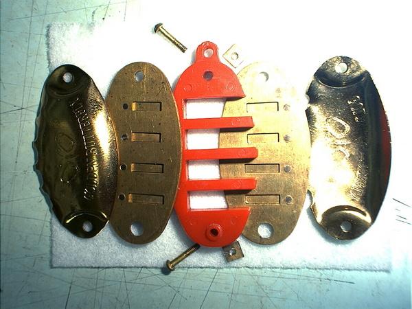 魚型項鍊口琴拆開狀-02