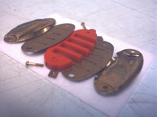 魚型項鍊口琴拆開狀-06