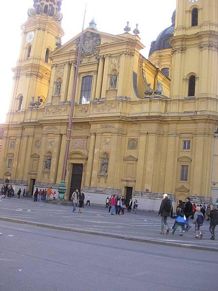 慕尼黑 9 特亞提那教堂