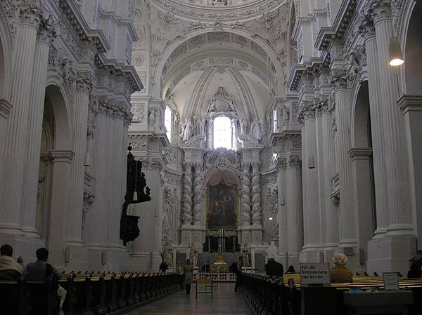 慕尼黑 10 特亞提那教堂