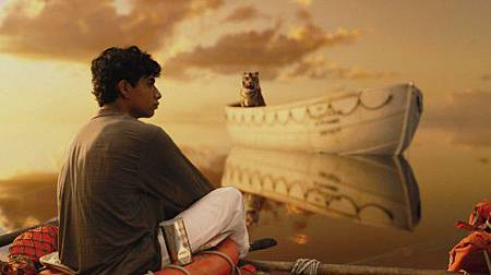 Suraj-Sharma-in-Life-of-Pi-585x327
