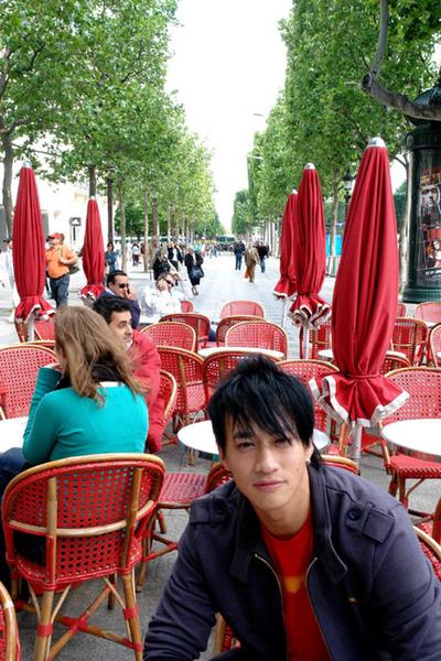 何潤東巴黎香榭大道2