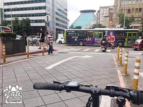 米騎生活騎記電助力折疊自行車國際版-12.jpg