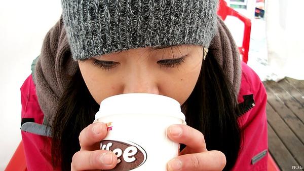 抵擋不了寒風的咖啡