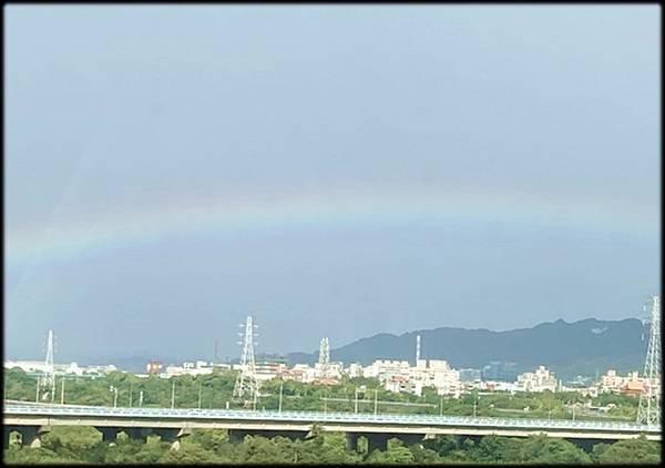 早晨的彩虹_003.jpg