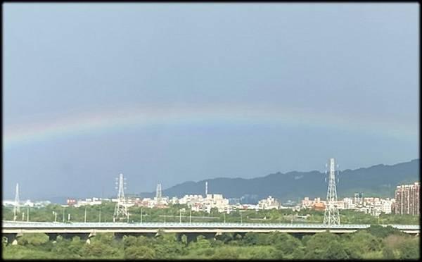 早晨的彩虹_002.jpg