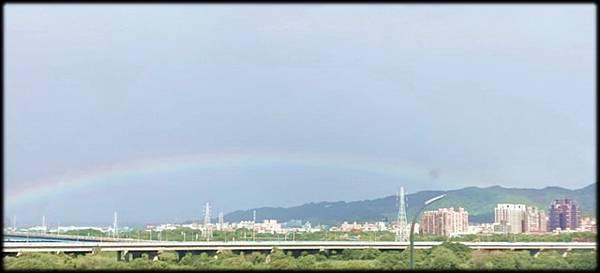 早晨的彩虹_001.jpg