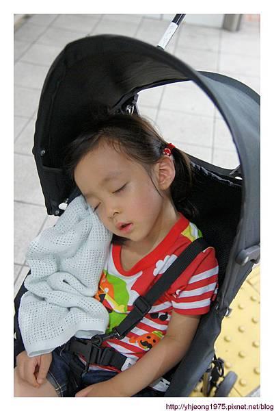 3Y3M-小孩累了.jpg