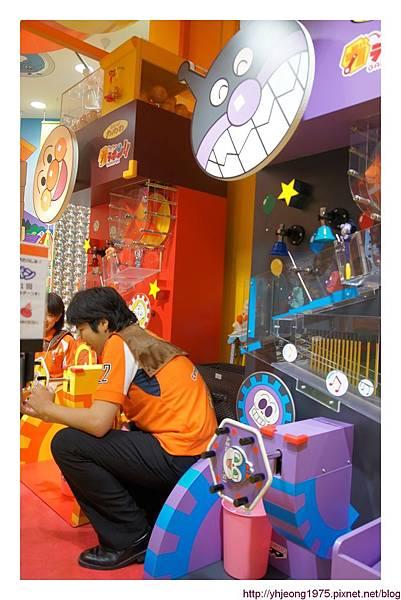 麵包超人商店街-大型扭蛋.jpg
