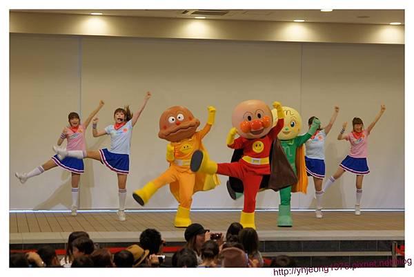 麵包超人商店街-表演.jpg