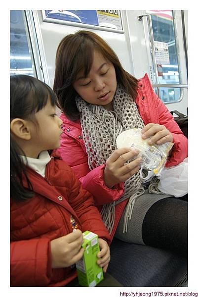 南海電車-吃早餐.jpg