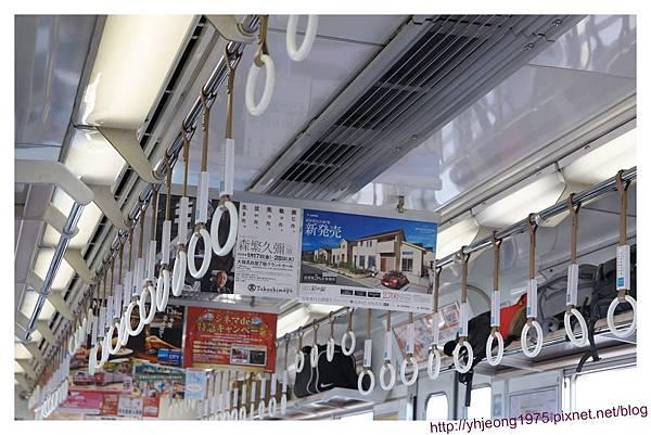 南海電車-車內.jpg