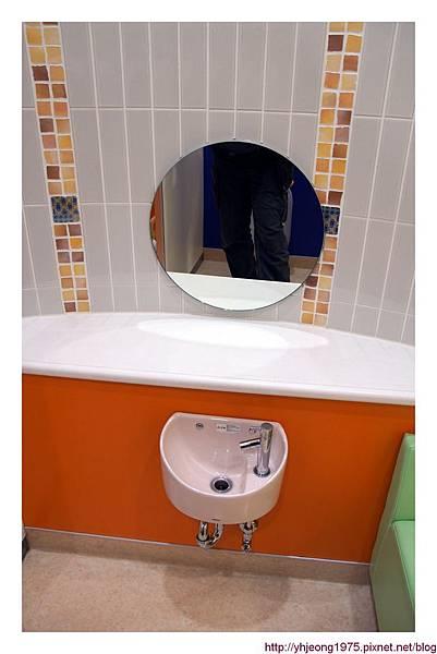Q's mall-廁所.jpg