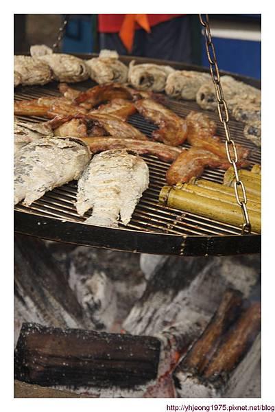 達娜伊谷-烤肉架.jpg