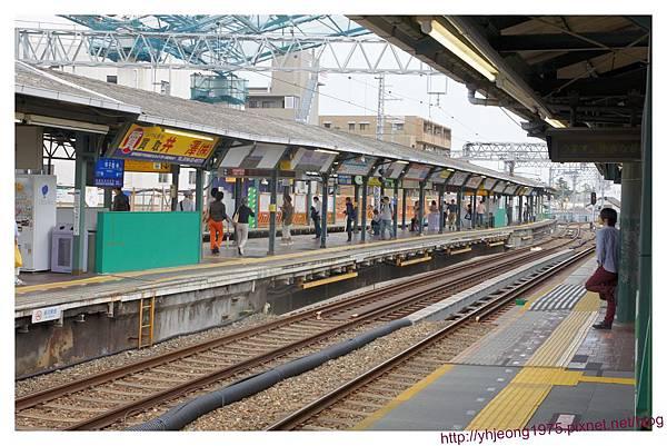 阪神電車-甲子園站月台.jpg