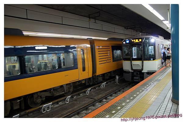 阪神電車-難波站月台.jpg