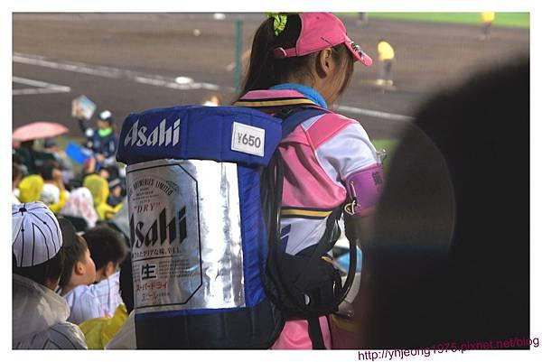 甲子園球場-沉重的桶子.jpg